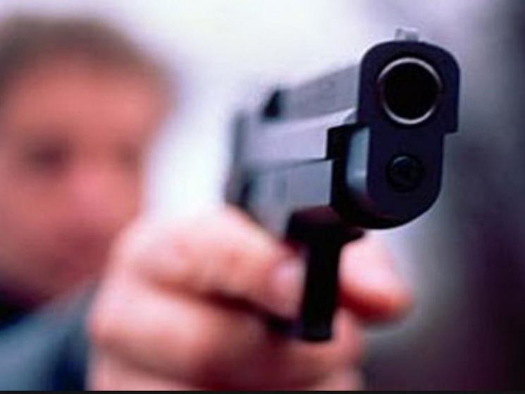 У Дніпрі нападники вистрелили в обличчя поліцейському