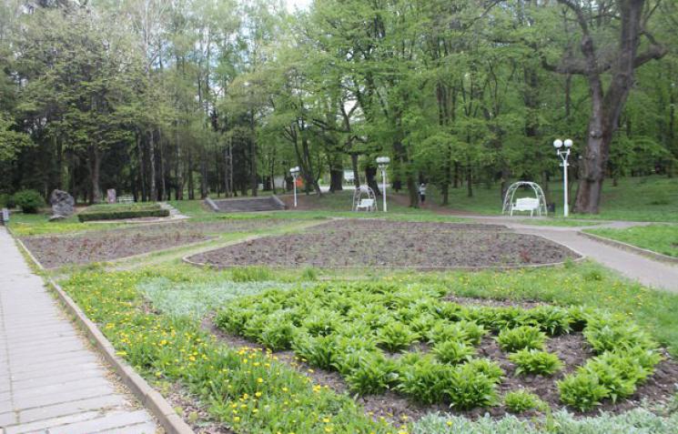 """Для """"Вінниці в мініатюрі"""" у Центральному парку відремонтують площу біля планетарію"""