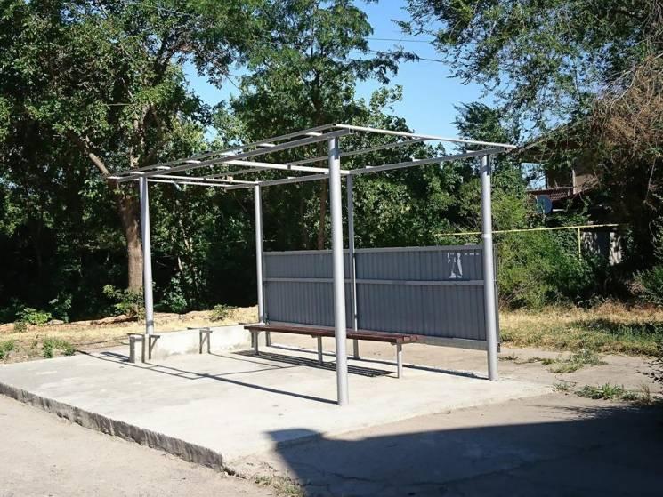 У Миколаєві вандали знов розбирали нещодавно відремонтовану зупинку