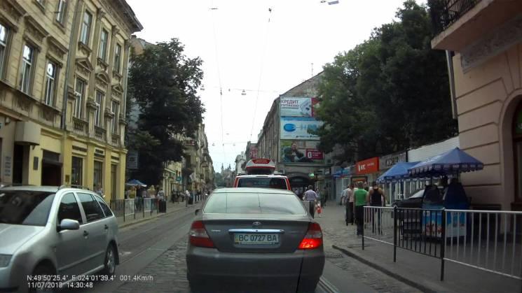 І президента не треба: Як у Садового заблокують рух центром Львова