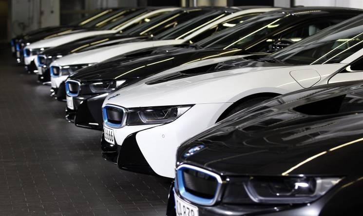 """Бюджет на розкіш: Як одеські чиновники купують елітні автівки за """"робочі"""" гроші"""