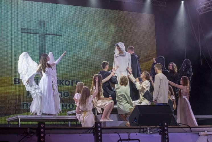 """Вінничани виконали рок-оперу """"Ісус Христос — cуперзірка"""" українською мовою (ФОТО)"""