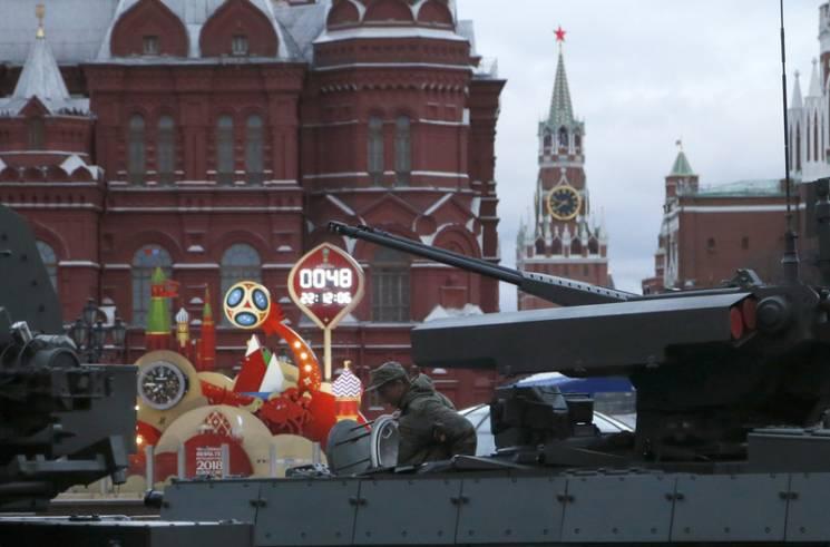 Мільйонні крадіжки та протести студентів - Москва готується приймати ЧС-2018