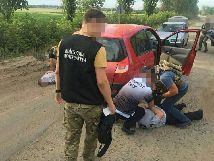 На Миколаївщині викрили двох поліцейських-хабарників