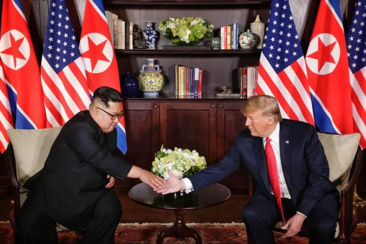 Гарантії та денуклеаризація: Про що Трамп домовився з Кім Чен Ином