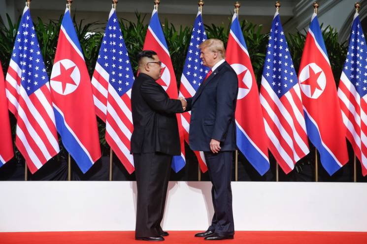Відео дня: Зустріч Трампа і Кім Чен Ина і пісня про збірну Росії