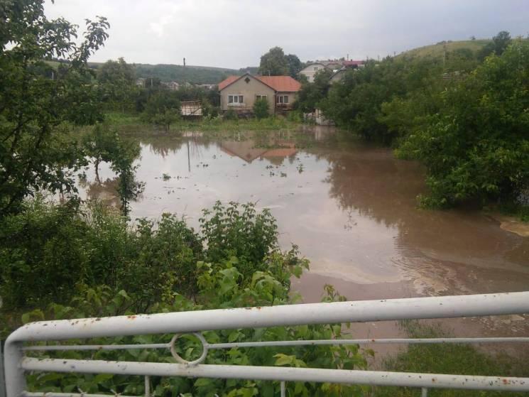 Тернопольщину залило дождями и засыпало…