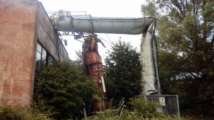 В Ужгороді негода повалила вежу з антенами передавачів (ФОТО)