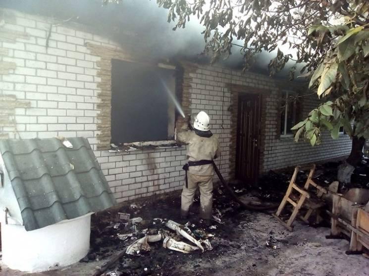 Рятувальники більше чотирьох годин гасили житловий будинок у селі на Полтавщині
