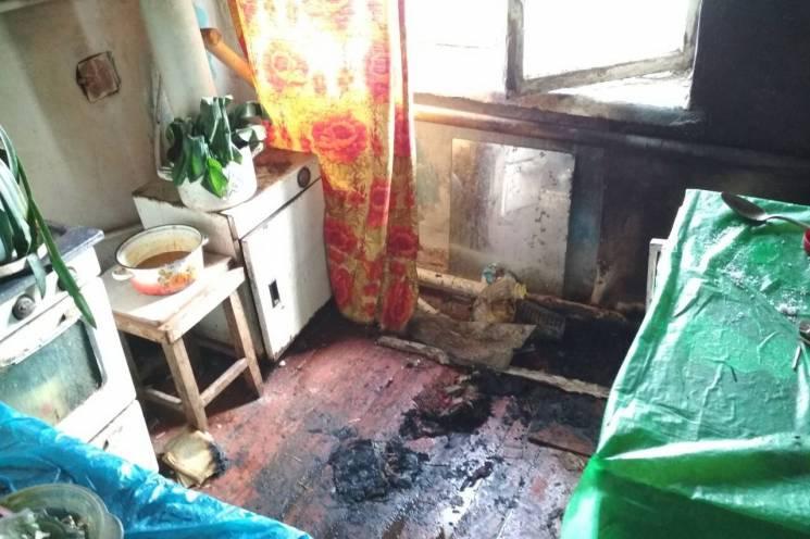 На Харківщині під жінкою спалахнуло крісло