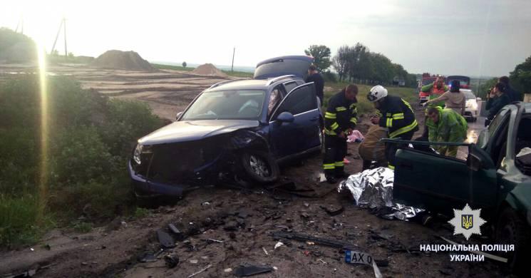 Обганяв вантажівку: У поліції розповіли деталі жахливої аварії під Харковом