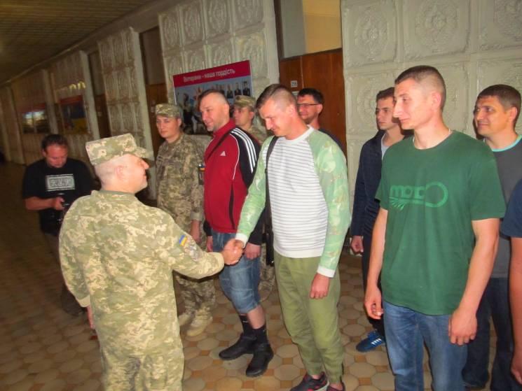 Харківщина відправила в армію понад 40 офіцерів (ФОТО)