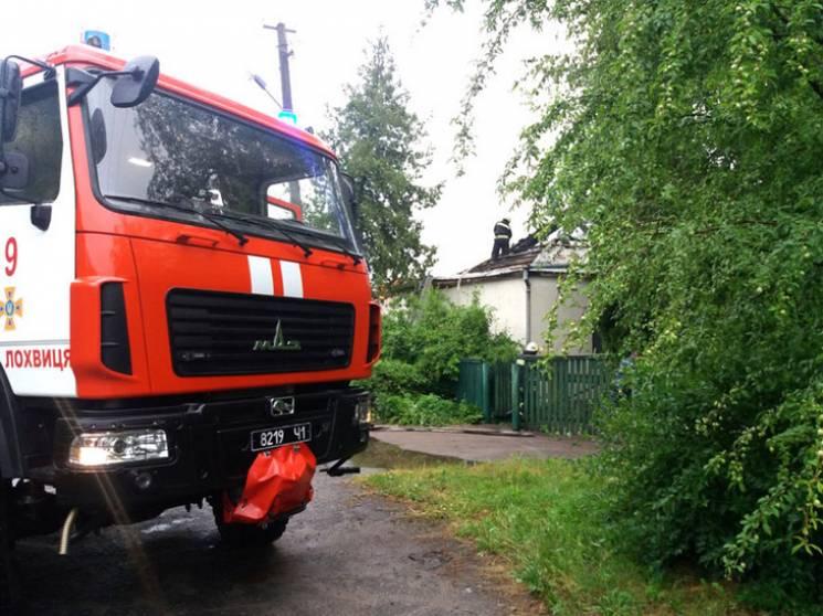 На Полтавщині рятувальники понад шість годин гасили житловий будинок (ФОТО)