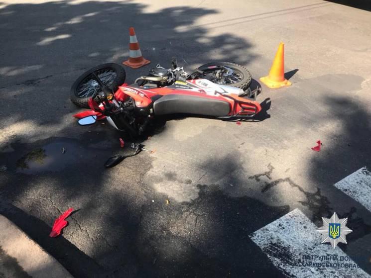 """У Харкові в ДТП з """"сімкою"""" покалічився мотоцикліст"""