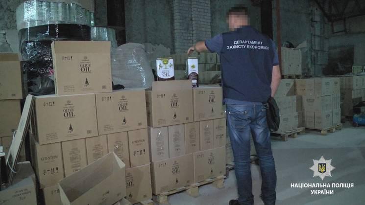 """""""Фірмові"""" олію, каву та пральний порошок виготовляли в одному з районів Одеси (ФОТО, ВІДЕО)"""