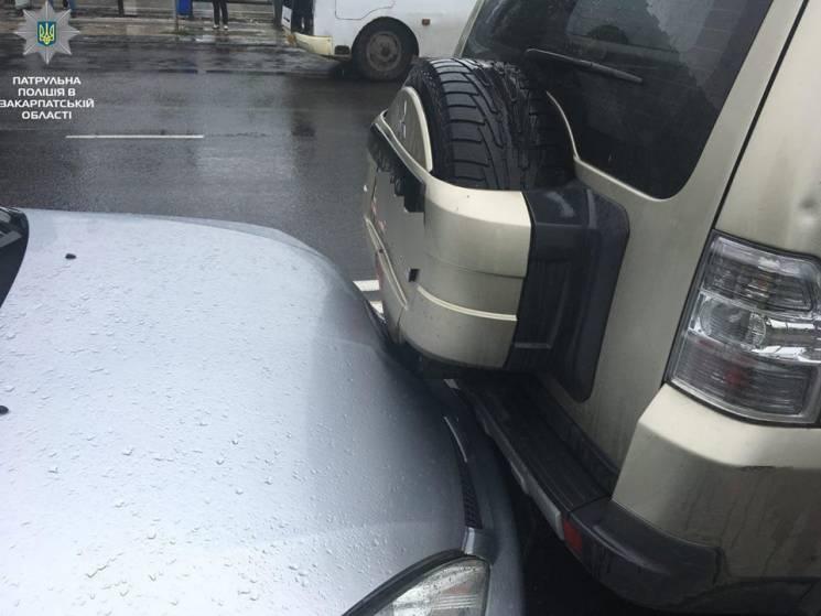 Потрійна ДТП в Ужгороді на Минайській сталася через нетверезого водія (ФОТО)