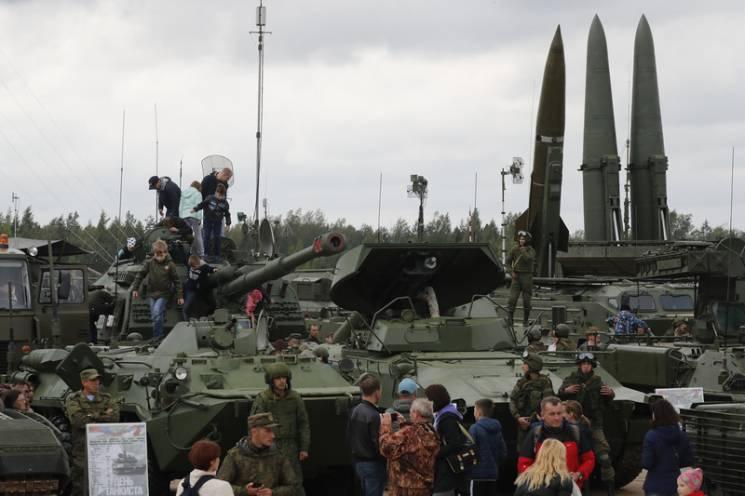 """Ядерні навчання біля України: Навіщо Росія витягла """"Іскандери"""""""