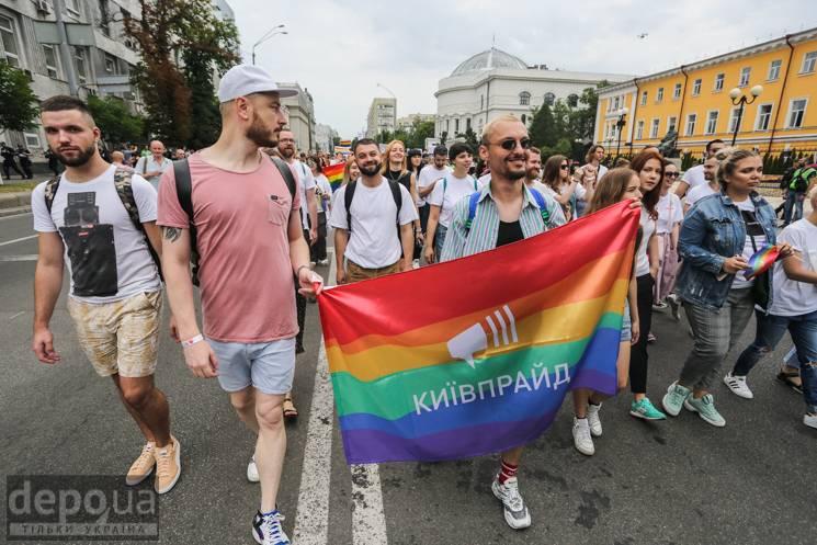 """Зачем Барна хочет приравнять ЛГБТ к """"колорадской"""" ленте"""