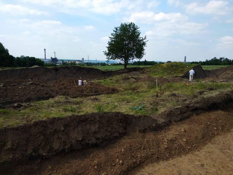 На Вінниччині археологи розкопали курган…