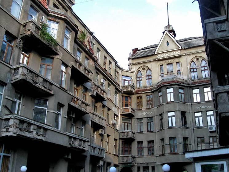 """Навчання пропагандистів та будинок банкірів: Чим відома """"вулиця меценатів"""" у Харкові (ФОТО)"""