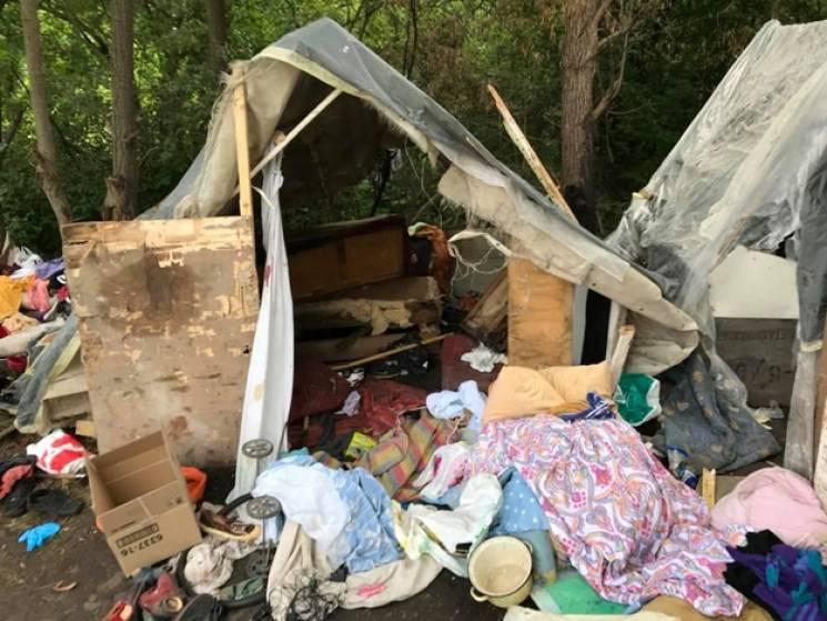 """У нападі на ромський табір під Львовом помітили """"руку Кремля"""""""