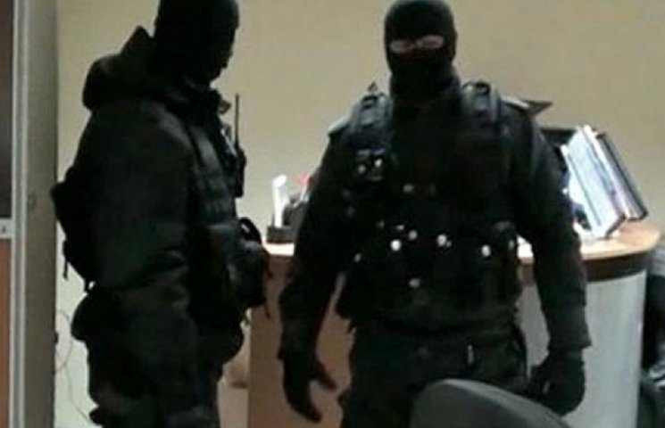 В здании ГАИ Киева проходит обыск по делу Автомайдана