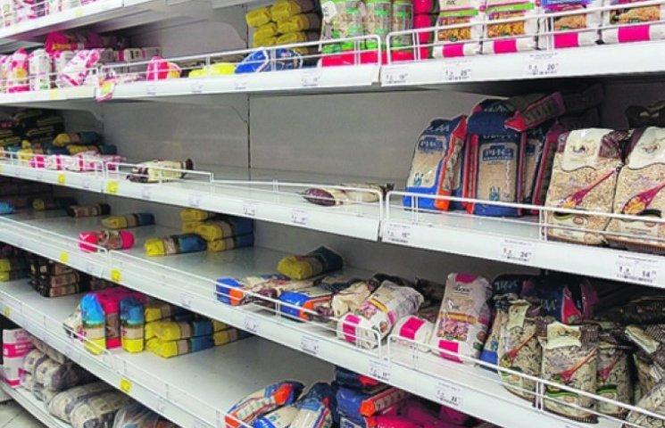 В Київраді закликали городян не скуповувати продукти: запасів гречки та цукру - тонни