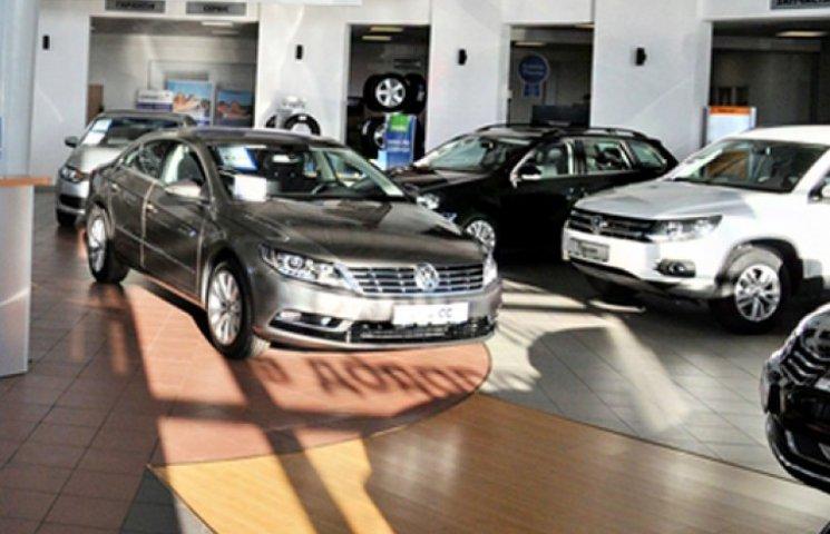 Украинцы перестали покупать новые автомобили