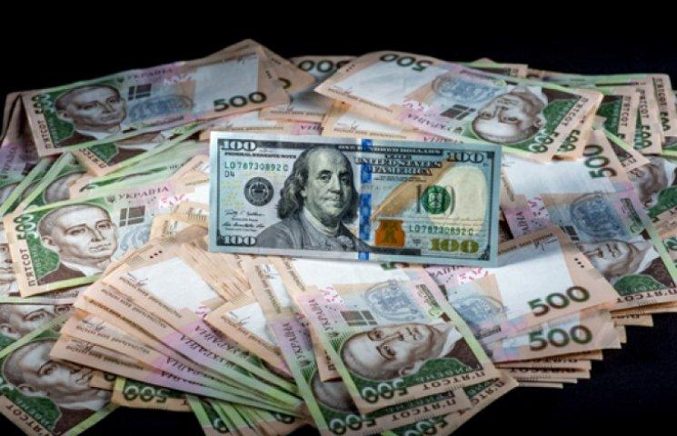 Официальная гривня укрепилась до 23,77 грн/$