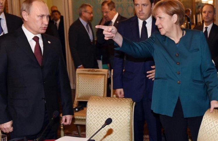 Меркель погрожує РФ новими санкціями за «серйозні порушення» Мінської угоди