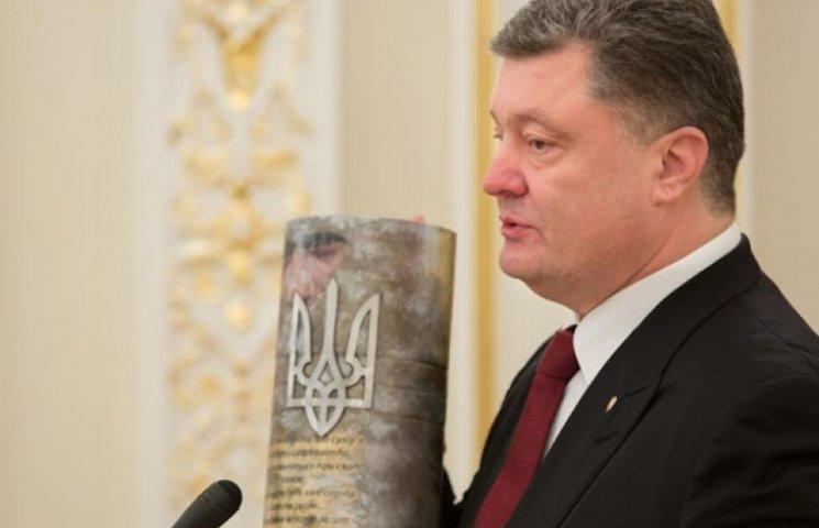 Порошенко в интервью рассказал о коррупции, войне, реформах и Путине