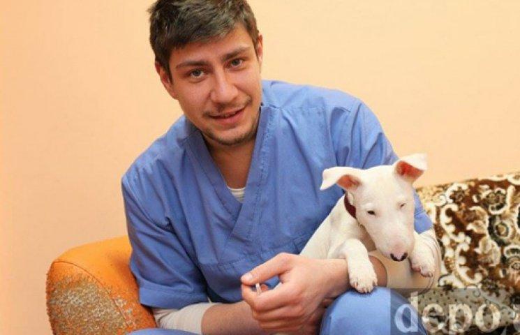 Біженець з Криму через собаку не може зн…
