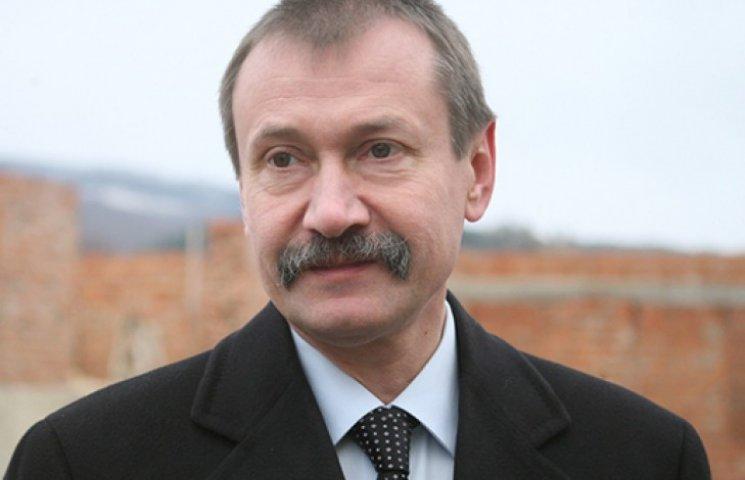 Губернатор Буковини часів Януковича втік до Фірташа