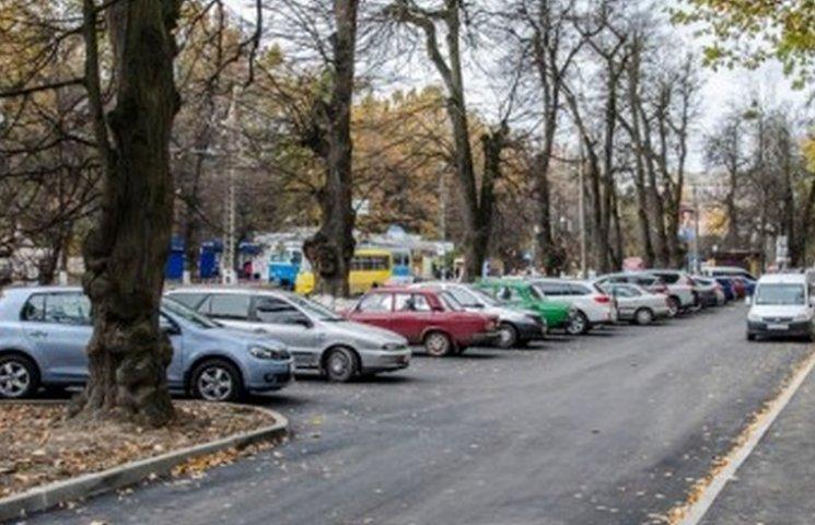 Вінничанам виділять шість місць під парковки