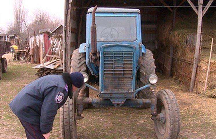 На Вінниччині фермер переїхав трактором свого працівника та сховав тіло