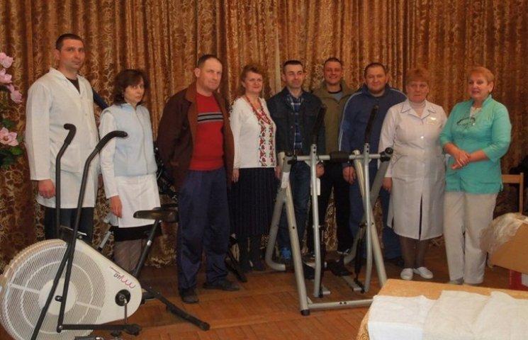 Староконстянтинівський військовий шпиталь отримав допомогу від українців з США