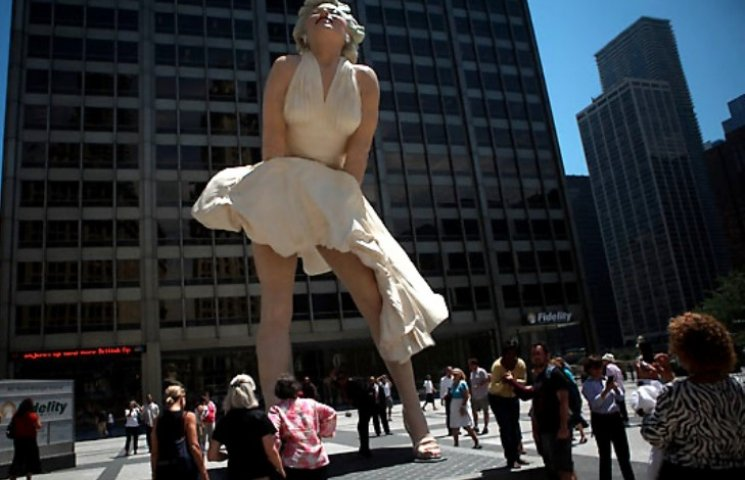 У Миколаєві на місці Леніна хочуть встановити статую Мерлін Монро