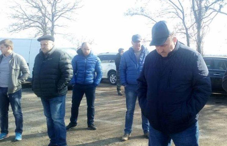 """Обіцяних Яценюком грошей вистачить лише на 15 км траси """"Миколаїв-Дніпропетровськ"""""""