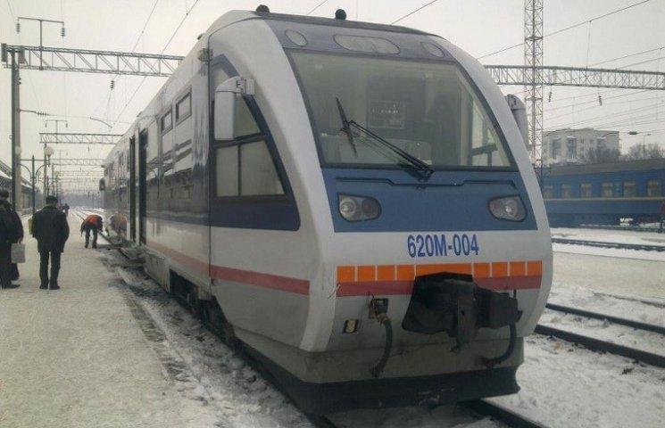 У квітні швидкісний поїзд з Києва до Тернополя не курсуватиме