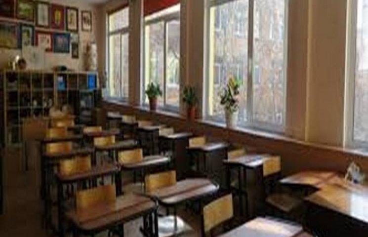 Медики мовчать про причини відсутності майже 100 дітей в Чорноострівській  школі