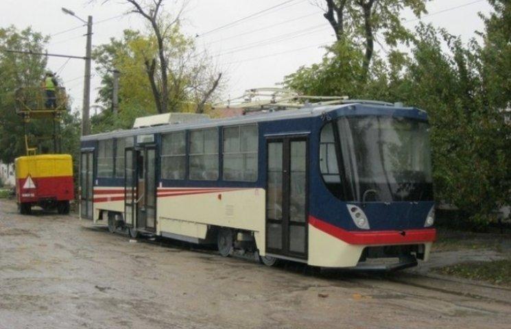 У Миколаєві чоловік потрапив під колеса трамваю