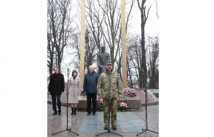 На Летичівщині поклали квіти до Меморіалу слави