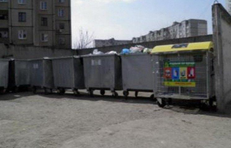 В Кривом Роге мертвого новорожденного мальчика нашли в мусоре