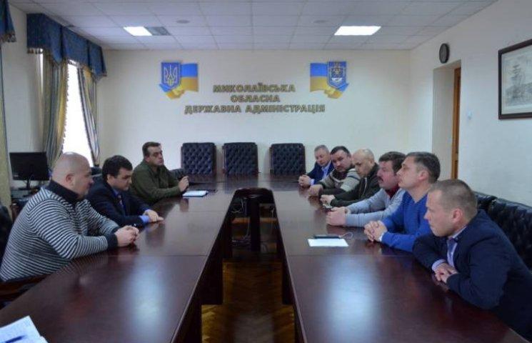 Миколаївська влада веде переговори з активістами, що перекрили трасу на Дніпропетровськ