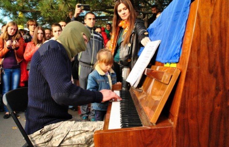 """Піаніст-екстреміст привезе до Миколаєва нову програму """"Палітра"""""""