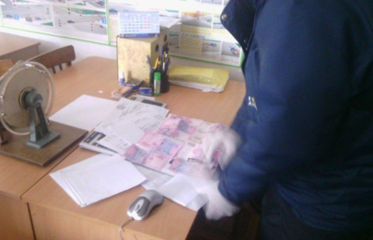 У Миколаєві викладач автошколи погоріла на хабарі