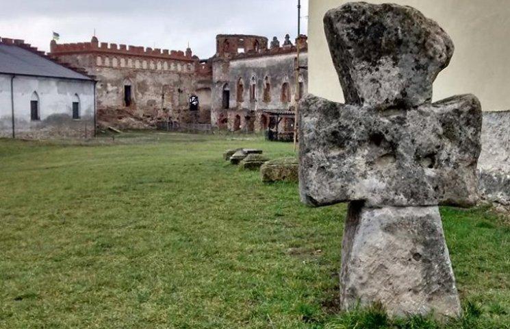 Стіну Меджибізької фортеці відреставрують за 5 бюджетних мільйонів