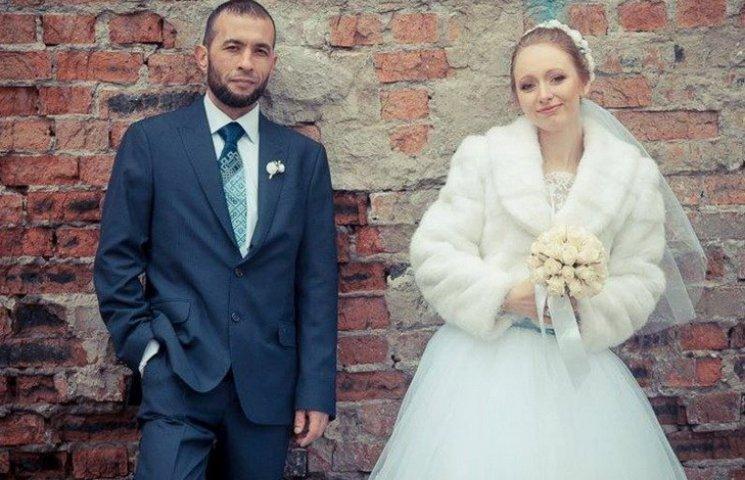 """Боєць полку """"Дніпро-1"""" одружився з волонтеркою"""