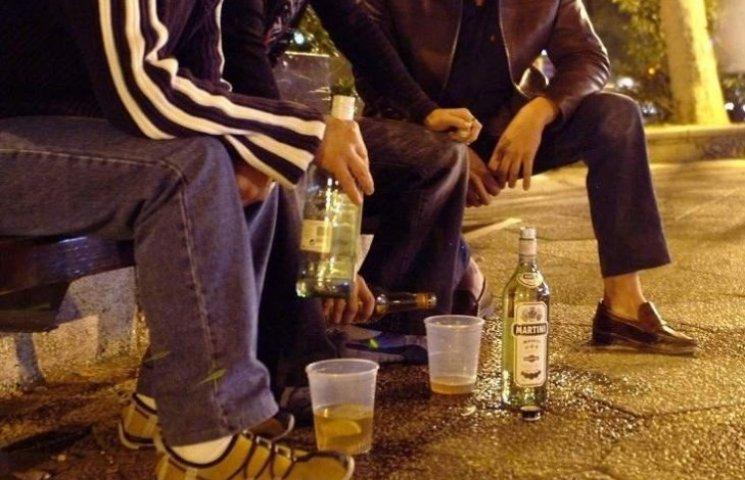 Миколаївці просять заборонити продаж алкоголю у парках та біля дитячих майданчиків