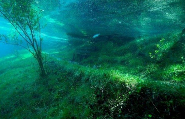В Австрії є унікальний підводний парк - Зелене озеро